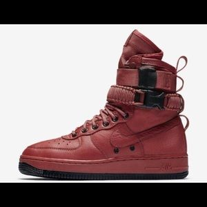 Wmns Nike SF AF1 Air Force Boots Oxy Blood Sz 9.5